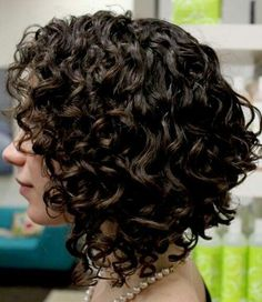 Capelli corti e ricci primavera/estate 2014: le tendenze hair style