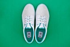 Lacoste L!VE Barbados (kinda Vans). Like the blue-greenish color.