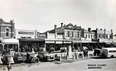 Forum topic: Historic photo of the day Time In Australia, Melbourne Australia, Melbourne Victoria, Victoria Australia, Melbourne Suburbs, The 'burbs, Old Photos, Vintage Photos, Historical Pictures