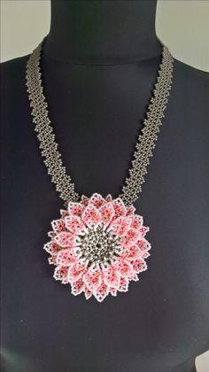 by Ivana Kusá Beaded Jewelry Designs, Bead Jewellery, Handmade Jewelry, Seed Bead Flowers, Beaded Flowers, Seed Bead Necklace, Beaded Necklace, Bead Sewing, Beaded Bags