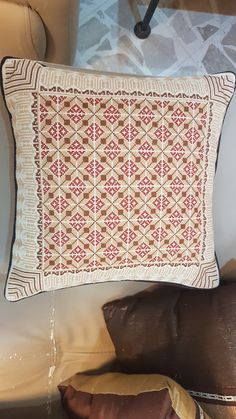 Cushion Covers, Embroidery Patterns, Free Crochet, Cross Stitch, Cushions, Tapestry, Throw Pillows, Design, Cross Stitch Embroidery