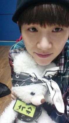 Kyaaa~~ so happy to see you again oppa!! ^^ I hope you're fully recovered and feel better... Suga Twitter update