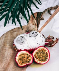 CREAMY DRAGON FRUIT COCO NICECREAM Simply blended white dragon fruit, chilled coconut cream, young coconut meat and maple syrup. Served alongside some fresh passion fruits, which I'm absolutely obsessed with. Can't wait to find some more in NYC markets! #radplantlife