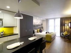 Citadines Trafalgar Square offers 187 apartments in the heart of London, ranging from studios that sleep a couple to two-bedroom flats. Strengths: The apartments are within walking distance of London