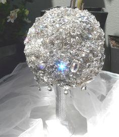 Sparkling in the sun. Made by Krystal Kouture💎 Krystal, Hanukkah, Bouquet, Sparkle, Brooch, Crown, Wreaths, Sun, Jewelry