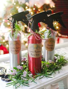 Pretty DIY scented room spray. Great for a holiday gift or for yourself. #avery #christmas