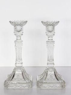 Antiguos candelabros de cristal- El Desván de Bartleby Candle Holders, Art Deco, Candles, Crystal Chandeliers, The Loft, Arches, Glass, Accessories, Porta Velas