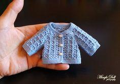https://flic.kr/p/SJUfLJ | Crochet Cardigan 1.jpg rs | Crochet Cardigan to my blythe doll