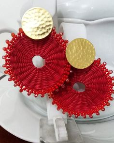 Diy Crochet Jewelry, Beaded Earrings, Crochet Earrings, Charm Jewelry, Jewelry Necklaces, Crochet Circles, Eye Make Up, Polymer Clay Earrings, Handcrafted Jewelry