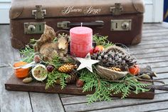 Christmas decoration - :::: Advent arrangement squirrel :::: - a designer piece by . - Christmas decoration – :::: Advent arrangement squirrel :::: – a unique product by BlumereiBerg - Winter Christmas, All Things Christmas, Christmas Home, Christmas Wreaths, Christmas Crafts, Christmas Arrangements, Christmas Centerpieces, Christmas Decorations, Diy Cutting Board
