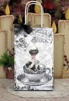 Cup of Tea Tea Tin Gift Bag Set -  - Roses And Teacups  - 1