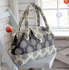 Sew What? by Debbie Shore: Todays make! A carpet bag