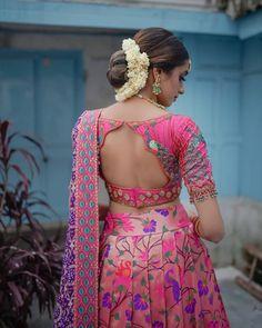 Blouse Back Neck Designs, Fancy Blouse Designs, Bridal Blouse Designs, Latest Blouse Designs, Indian Blouse Designs, Lehenga Saree Design, Lehenga Designs, Blouse For Lehenga, Lehenga Blouse Designs Back