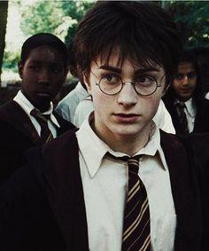 Harry Potter and the Prisoner of Azkaban. Harry Potter and the Prisoner of Azkaban. Harry James Potter, Harry Potter Pictures, Harry Potter Tumblr, Harry Potter Cast, Harry Potter Characters, Harry Potter Universal, Harry Potter Hermione, Fantasia Harry Potter, Mundo Harry Potter
