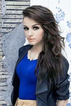 Cher loyd is my favorite singer !!!!!! I LOVE HER!!!!!