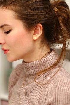...help! I have nothing to wear! - kobiecy blog o modzie: Sweter z golfem, czarna koronkowa spódniczka i czarne rajstopy ze szwem