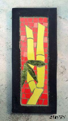Trabajo de Susy sobre cemento para exterior.  #Bambúes sobre un fondo de creado con distintos #rojos para que refleje.