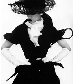 Mad for Hats - Fashion Photography's love affair with the hat – Dressing Vintage
