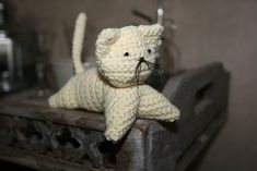 a little crochet cat a cute little darling In this tutorial, I want to show you how to crochet a very easy cat. It is a quick proje...