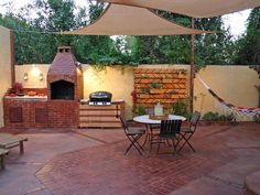 backyard patio and outdoor kitchen | 20 Outdoor Kitchens and Grilling Stations : Page 07 : Outdoors : Home ...