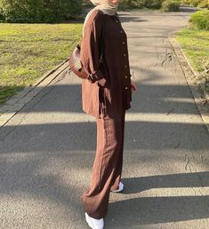 Looking For Modest Fashion Wide Leg Pants Outfit Ideas Then This Is The Perfect Post For You. - image:@ervaguen - Palazzo Pants Outfits Hijab Fashion Styles - Summer Hijab Fashion - Muslimah Hijab Outfits - Casual Hijab Outfits - Hijab Fashion Inspiration Pants - Hijab Fashion Pants - Hijab Fashion Pants Simple - Hijab Fashion Pants Chic - Kondangan Outfit Hijab Fashion Pants. #hijaboutfit #modestoutfit #pantsoutfit #hijabioutfitscasual #muslimahfashion #hijab #hijabfashion Casual Hijab Outfit, Casual Outfits, Modest Outfits, Modest Fashion, Wide Pants Outfit, Fashion Pants, Fashion Outfits, Fashion Muslimah, Simple Hijab