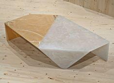Patricia Urquiola diseña en mármol. Earthquake 5.9.