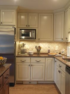 Traditional Kitchen Photos Small+ Kitchens+living Room+ivory Cabinets Design, Pictures, Remodel, Decor and Ideas - page 14