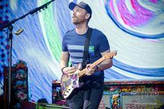 Coldplay News: Photo Jonny Buckland, Chris Martin, Coldplay, The Darkest, Addiction, Guitar, Hero, Album, Guys