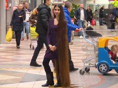 Kao iz bajke: Njena kosa je duga preko 2 metra! VIDEO