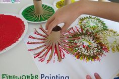 Here is a super easy and fun New Year's Day Celebration activity - Creating Fireworks with Paint! The print pattern created by the cardboard roll fans mimics that of fireworks brilliantly and children can create as. Kids Crafts, Summer Crafts, Toddler Crafts, Projects For Kids, Diy And Crafts, Craft Projects, Arts And Crafts, Painting Activities, Craft Activities