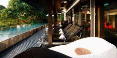 Location de vacances à Phuket en Thailande: nichée le long de la route des milliardaires, superbe villa de luxe avec piscine et sauna à louer à Kamala.