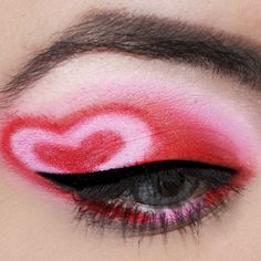 30 Valentine's Day Makeup Ideas For A Romantic Look 30 Valentine's Day Makeup Ideas For A Romantic LookWant to nail the makeup ? If you want your Valentine's Day makeup to be perfect, then I h Make Up Tutorials, Red Eye Makeup, Beauty Makeup, Dramatic Makeup, Bright Red Lipstick, Valentines Day Makeup, Makeup Trends, Makeup Ideas, Diy Makeup