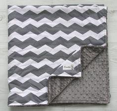Charcoal Grey & White Lovey Minky Blanket  Chevron  por Kemaily