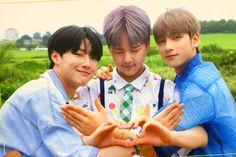 "a pic of SeunGyul and their son, Nam Dohyon "" seungyoun - Hangyul - Dohyon "" K Pop, Crazy Genius, All About Kpop, Drama, Quantum Leap, Fandom, Team Rocket, Flower Boys, Kpop Boy"