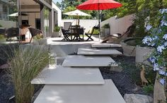 gartengestaltung elemente sichtschutz l rmschutz mauer. Black Bedroom Furniture Sets. Home Design Ideas