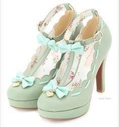 ♥ love love love vintage pretty shoes