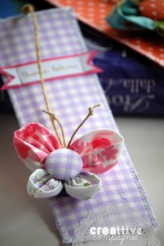 segnalibro farfalla  / Fabric = Love everything here no tut