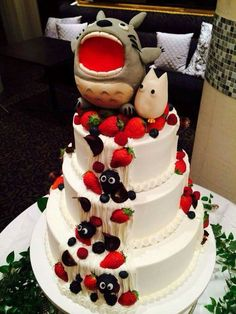 Totoro studio ghibli wedding cake ❤️