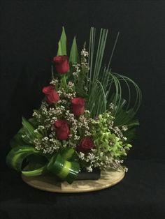 Rose table arrangement Contemporary Flower Arrangements, Large Flower Arrangements, Artificial Floral Arrangements, Altar Flowers, Church Flowers, Table Flowers, Arte Floral, Deco Floral, Ikebana Arrangements