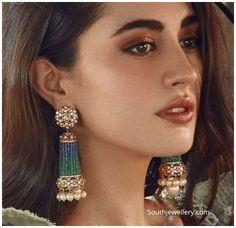 Diamond Earrings Indian, Indian Jewelry Earrings, Indian Jewelry Sets, Jewelry Design Earrings, Gold Earrings Designs, Necklace Designs, Beaded Earrings, Earrings Photo, Latest Earrings Design