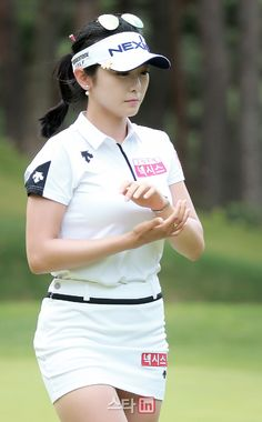 Golf tips, tricks and products Girl Golf Outfit, Cute Golf Outfit, Girl Outfits, Nike Skirts, Golf Skirts, Girls Golf, Ladies Golf, Women Golf, Golf Training Aids