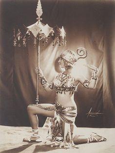 Studio Manassé- Stage costume, 1930s (Miverva)