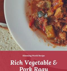 This Slimming World pork & vegetable ragu is very versatile. You can serve it with a speedy salad, on top of a fluffy jacket potato or with your fave pasta. Slimming World Pork Recipes, Slimming World Pasta, Sauce Recipes, Pasta Recipes, Pork Ragu, Ragu Recipe, Winter Food, Fall Recipes, Food To Make