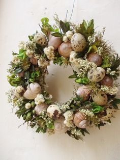 Easter Wreaths, Christmas Wreaths, Lavander, Coastal Christmas, Wreath Crafts, Nature Crafts, How To Make Wreaths, Easter Crafts, Floral Arrangements