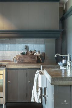 A Perfect Kitchen To Work In Cabinet Is Painted In The Colour on Home Inteior Ideas 4106 Cozy Kitchen, Farmhouse Style Kitchen, Rustic Kitchen, Country Kitchen, Kitchen Decor, Cottage Kitchens, Home Kitchens, Home Interior, Interior Design Kitchen
