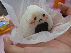 kawaii onigiri japan japanese rice nori asian Awww he's sad:( Japanese Snacks, Japanese Food, Japanese Gifts, Food Kawaii, Kawaii Anime, Comida Picnic, Cute Snacks, Good Food, Yummy Food