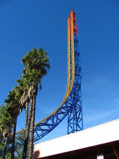 Superman : Escape from Krypton, 100 miles per hour, Six Flags Magic Mountain Park, California Would You Go On These Roller Coasters ? FunPalStudio Entertainment, World, Technology, Roller Coasters, amusement park.