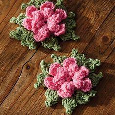 Free Crochet Flower Patterns: Find every type of free flower pattern for every type of occasion Diy Crochet Flowers, Crochet Puff Flower, Crochet Flower Patterns, Knitting Patterns, Knit Flowers, Crochet Ideas, All Free Crochet, Unique Crochet, Beautiful Crochet