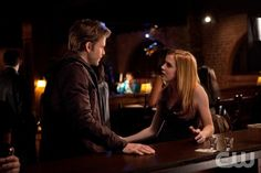 """The House Guest"" - Matt Davis as Alaric and Sara Canning as Jenna in THE VAMPIRE DIARIES on The CW. Photo: Bob Mahoney/The CW 2011 The CW Network, LLC. All Rights Reserved."