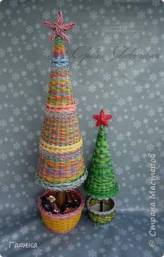 Поделка изделие Новый год Плетение Ёлки Трубочки бумажные фото 8